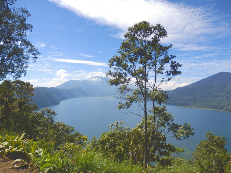 Beautiful lake Buyan, the middle of the 3 lakes
